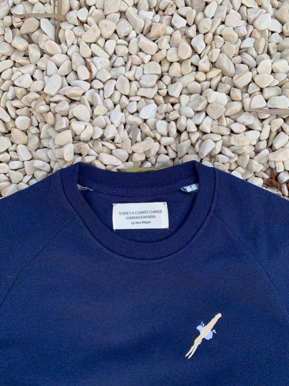naked-blue-sweater-kakkmaddafakka-label